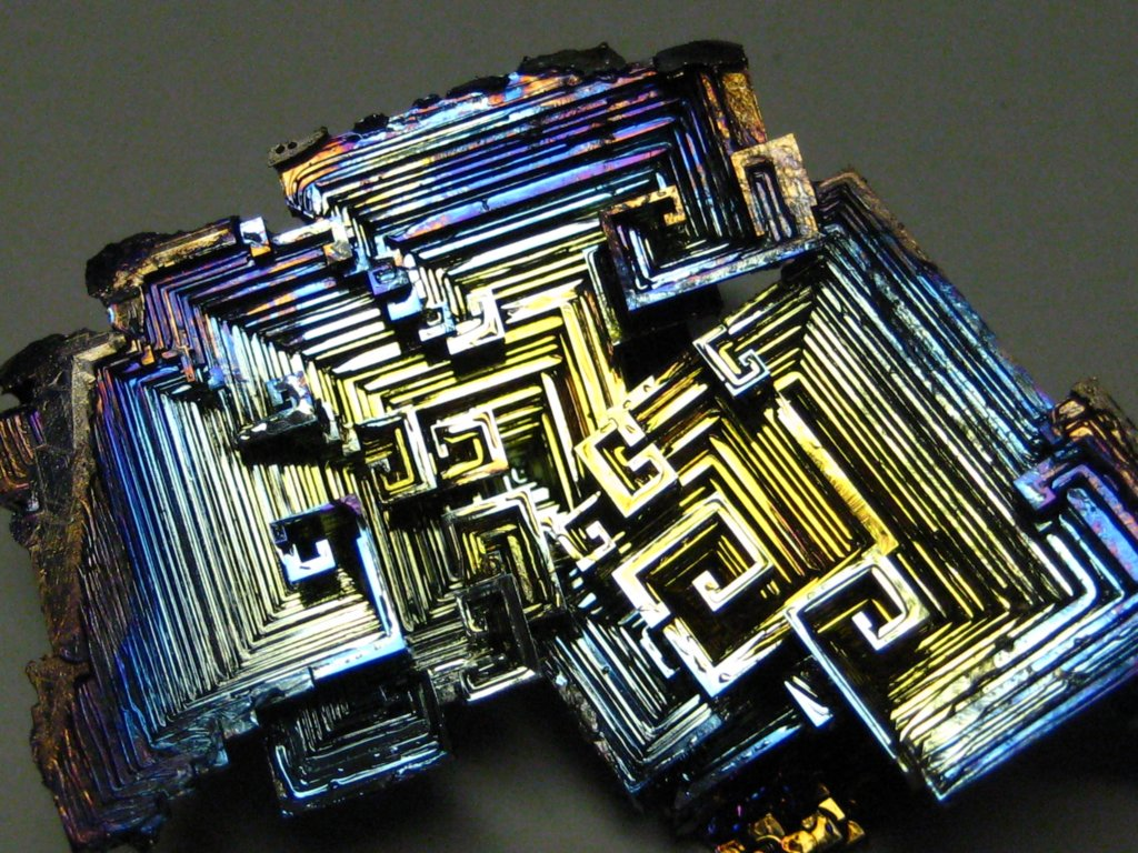 hay guise have you seen the bismuth crystal it. Black Bedroom Furniture Sets. Home Design Ideas
