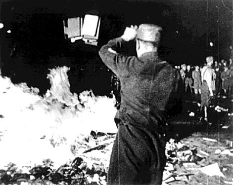 1933-may-10-berlin-book-burning-Nazi.JPG - 34kB