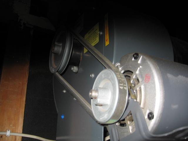 blower motor & belt.jpg - 110kB