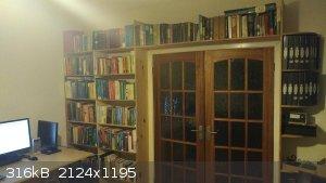 Bookshelf.jpg - 316kB
