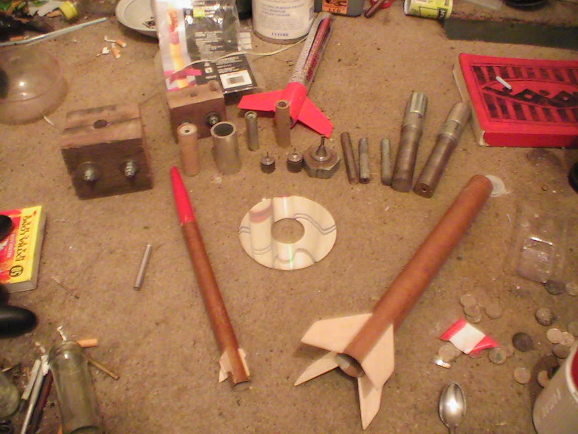 Rockets And Tools.jpg - 466kB