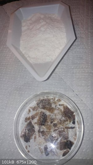 phthalic-anhydride-pure-and-charred.jpg - 101kB